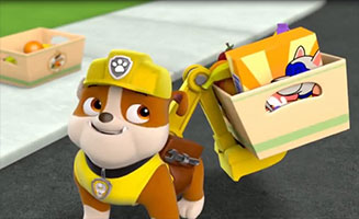 PAW Patrol S02E12 Pups Save the Parrot